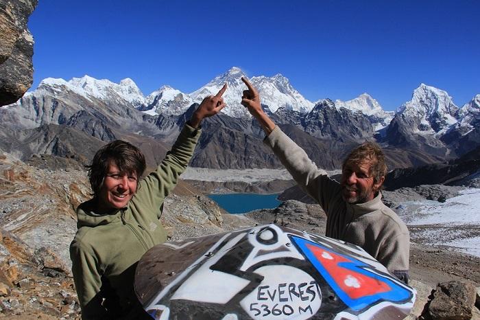 Der 8848m hohe Mount Everest kommt uns zum greifen nah. klein