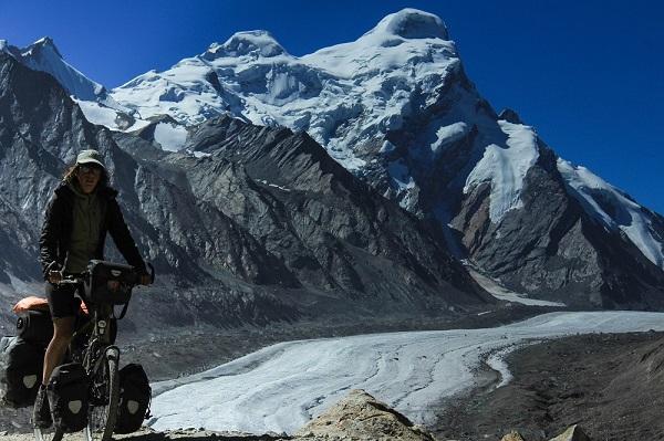 Vom Pensi La Pass haben wir einen spektakulären Blick auf den Durung Drung Gletscher. klein